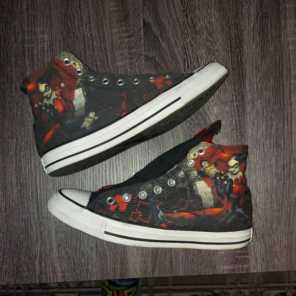 Harley Quinn converse size 11 limited edition
